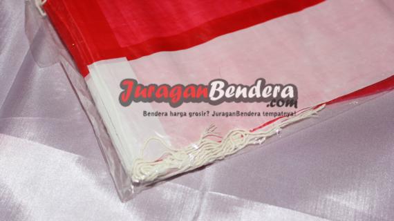 Bendera_Plastik_bertali_2