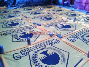 proses pengeringan bendera partai politik Golkar