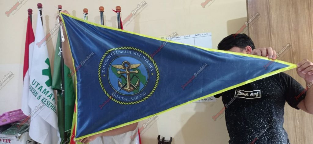 Bikin-bendera-custom-Lanudal-Sabang